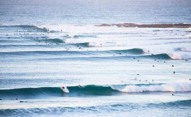 reading-other-surfers-positioning